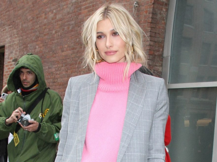 047277ba1ca957 Hailey Baldwin Wore These Exact Sneakers and Now We Need Them Too ...
